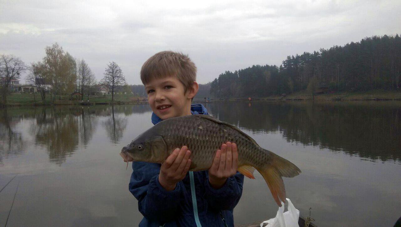 рыбалка на озере рой